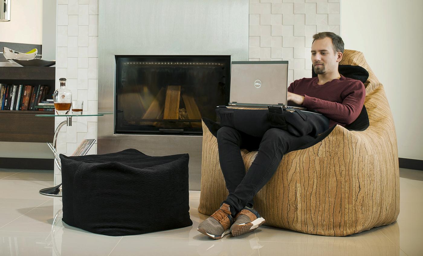 Relax fotel használat közben valódi parafából