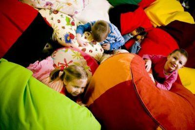 Babzsákbérlés gyerek rendezvényekre - Amőba Babzsákfotelek