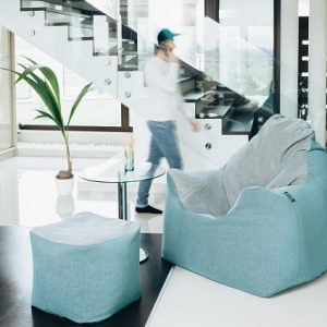 Karfás fotel
