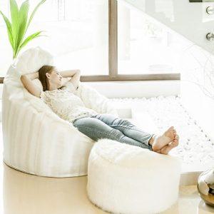 Lábtartós fotel