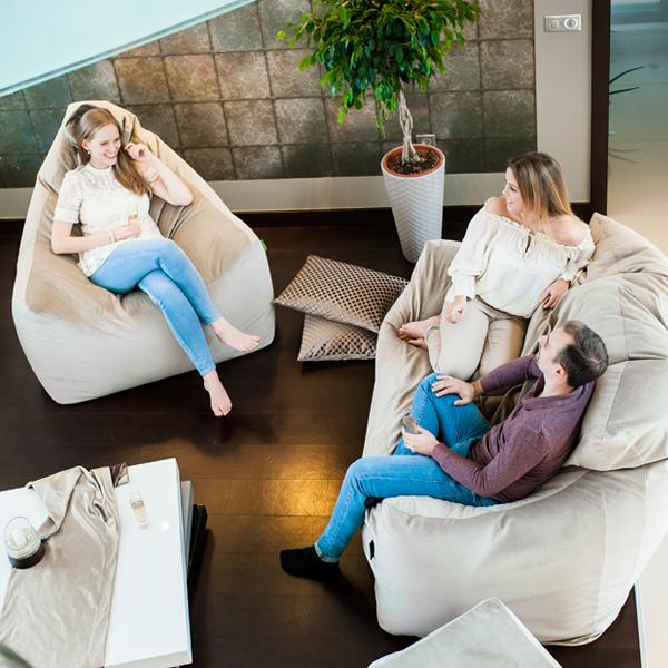 Relax max babzsák garnitúra felülnézetben kiszállást segítő karfákkal